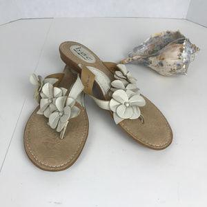 Women's Sz 10 BOC White Flowered Sandals